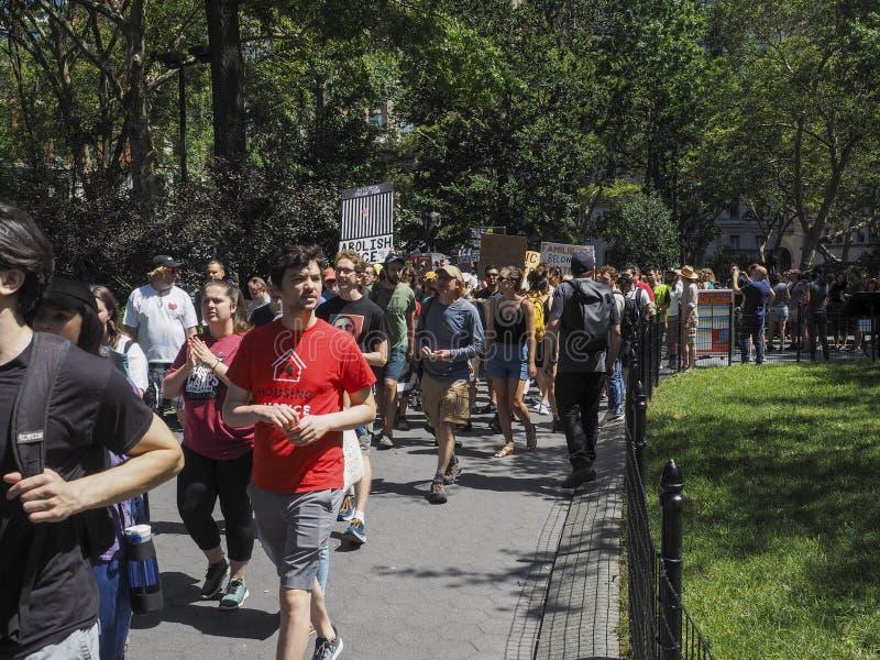 Stäng lägren protesterar arkivfoto