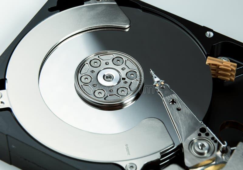 Stäng sig upp av öppet datorhårddiskdrev HDD arkivbild