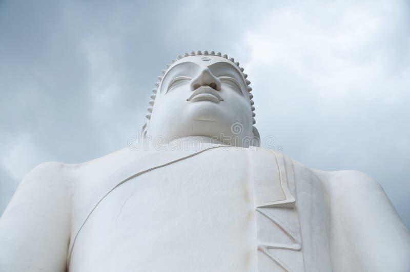 Stäng sig upp av den Samadhi Buddha på Kurunegala, Sri Lanka arkivfoto