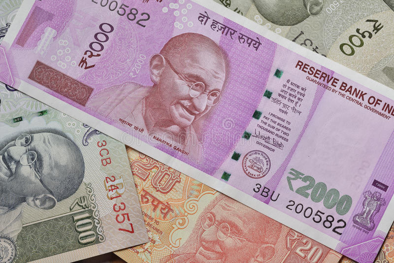 Stäng sig upp av indiska valutor som skjutas i studio arkivbild