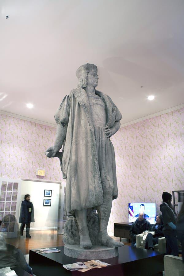 Stäng sig upp av statyn av Christopher Columbus i NYC royaltyfri foto