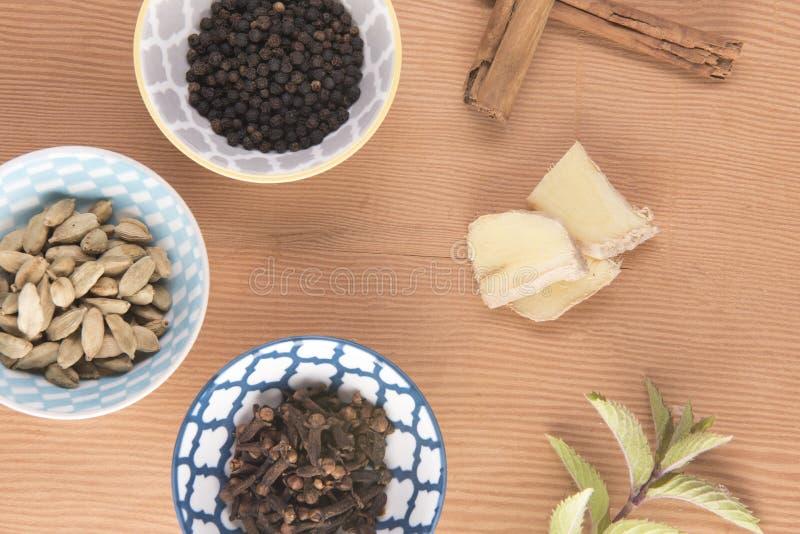 Stäng sig upp bild av ingredienser av Chai te fotografering för bildbyråer