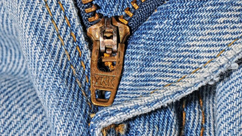 stäng sig upp zipperen royaltyfria bilder