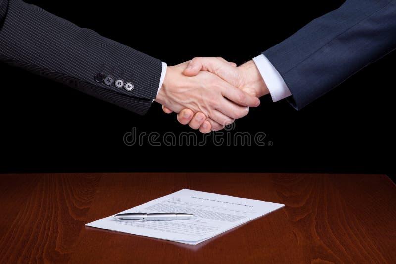 stängande avtal arkivbild