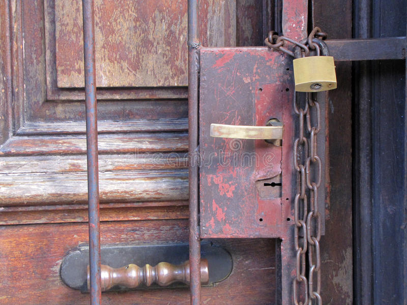 Stängd dörr royaltyfria bilder