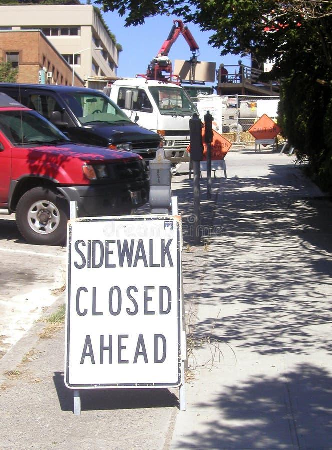 Stängd trottoar
