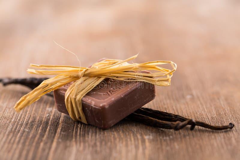 Stänger av handgjord vaniljtvål royaltyfri foto