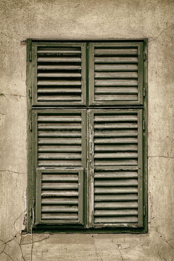 stängt fönster arkivfoton