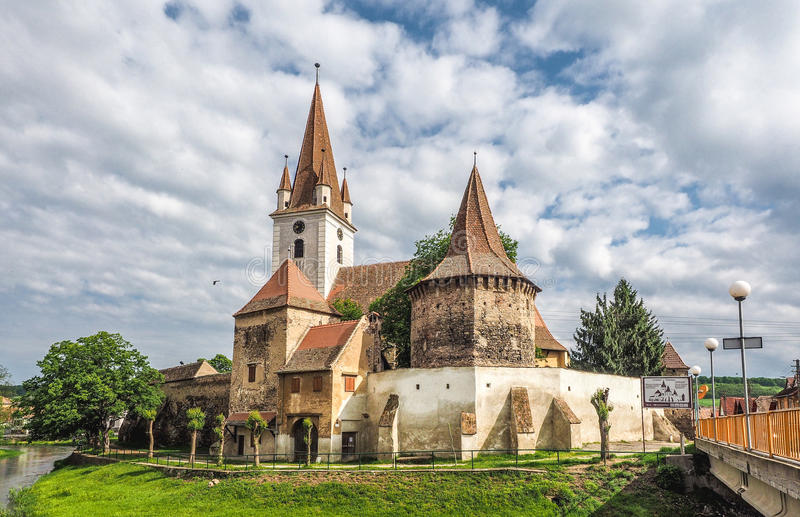 Stärkt katolsk kyrka i Cristian Sibiu Romania UNESCOheri royaltyfri bild