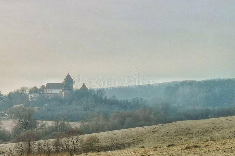 Stärkt kyrka Viscri Rumänien royaltyfria bilder