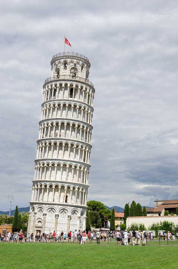 Stå hög av Pisa, Italien fotografering för bildbyråer