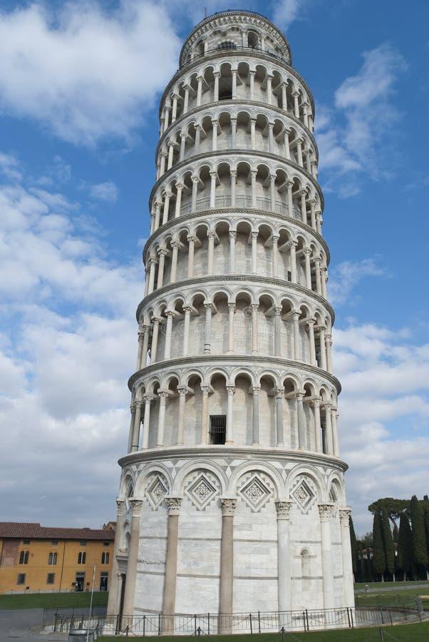 Stå hög av Pisa, Italien royaltyfria foton