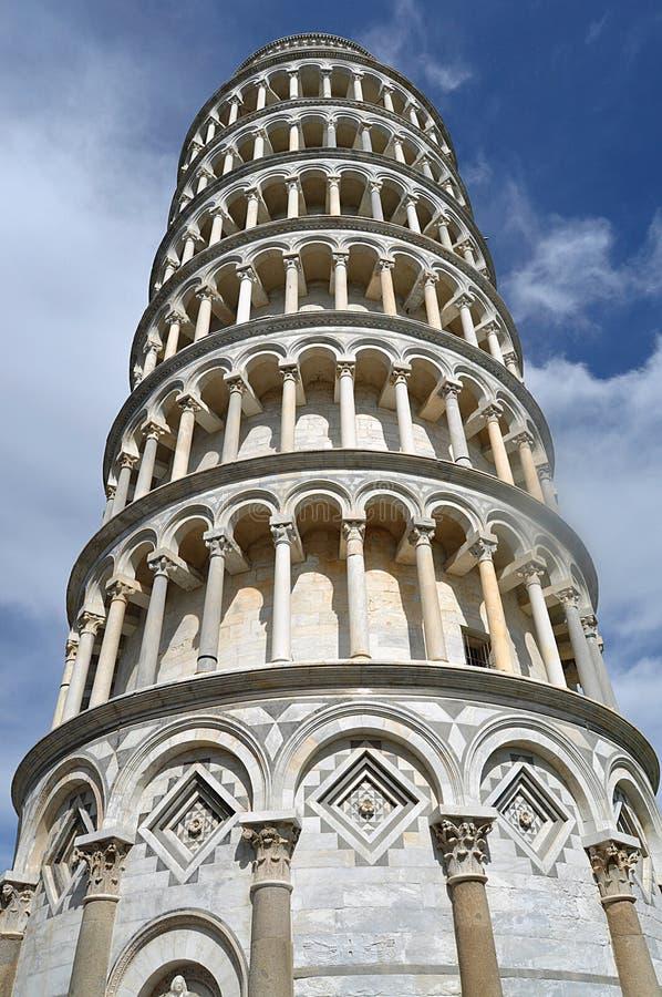 Stå hög av Pisa royaltyfria foton