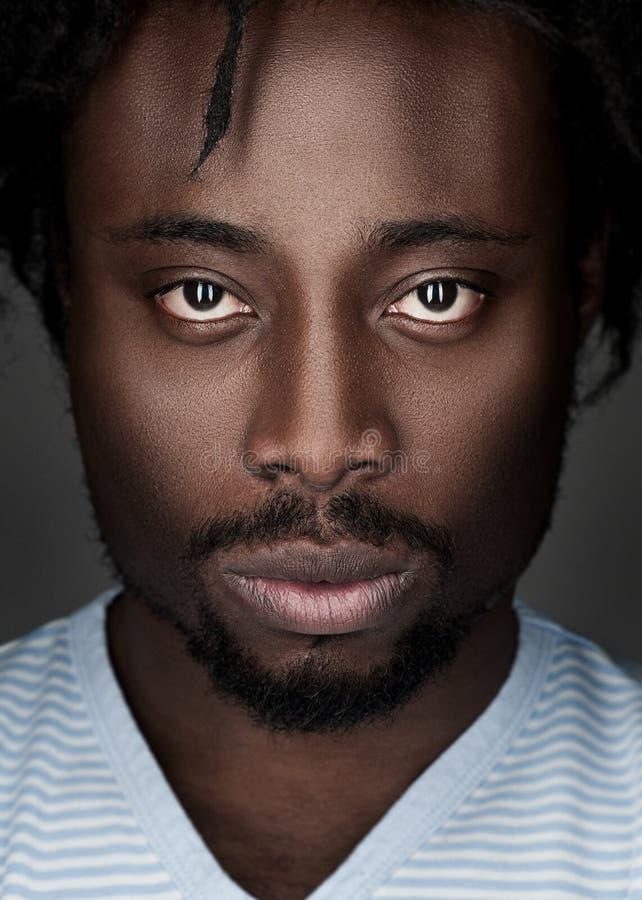 Stående av afrikansk amerikanmannen royaltyfria foton