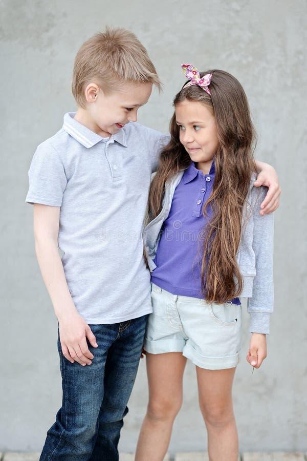 Stående av barn i sommaren royaltyfri bild