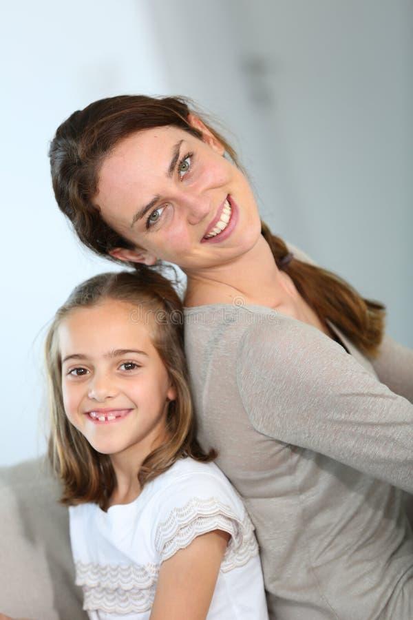 Stående av barnmodern och hennes dotter arkivfoto