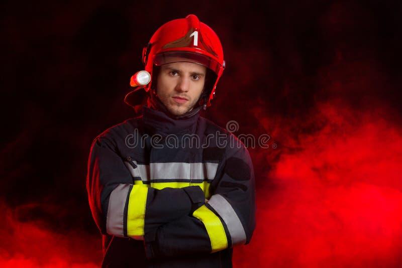 Stående av brandmannen royaltyfri bild