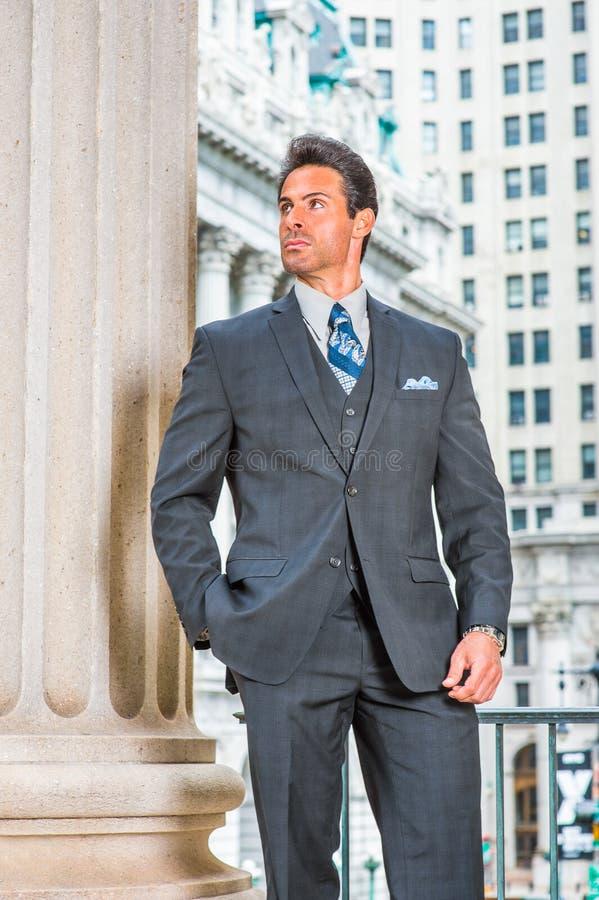 Stående av den amerikanska affärsmannen för lyckad mellersta ålder i nya Yo royaltyfri fotografi
