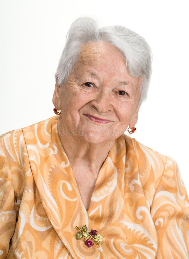 Stående av den gammala le kvinnan royaltyfri foto