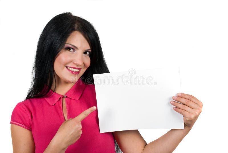 Stående av den härliga kvinnan med den blanka sidan royaltyfria bilder