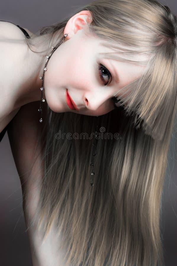 långhårig härlig flicka arkivfoton