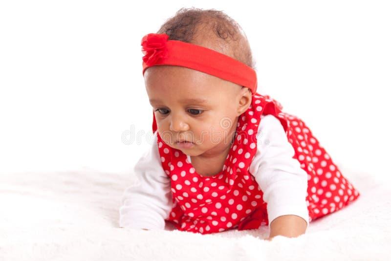 Stående av den lilla afrikansk amerikanlilla flickan - svarta människor arkivfoto