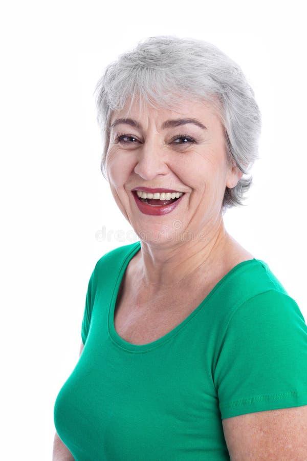 Stående av den lyckliga kvinnan med grått hår som isoleras på vit. royaltyfria bilder
