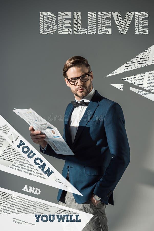 stående av den stiliga trendiga affärsmannen arkivbild