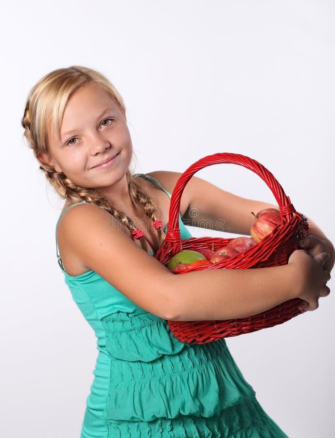 Stående av den unga härliga teen flickan royaltyfri foto