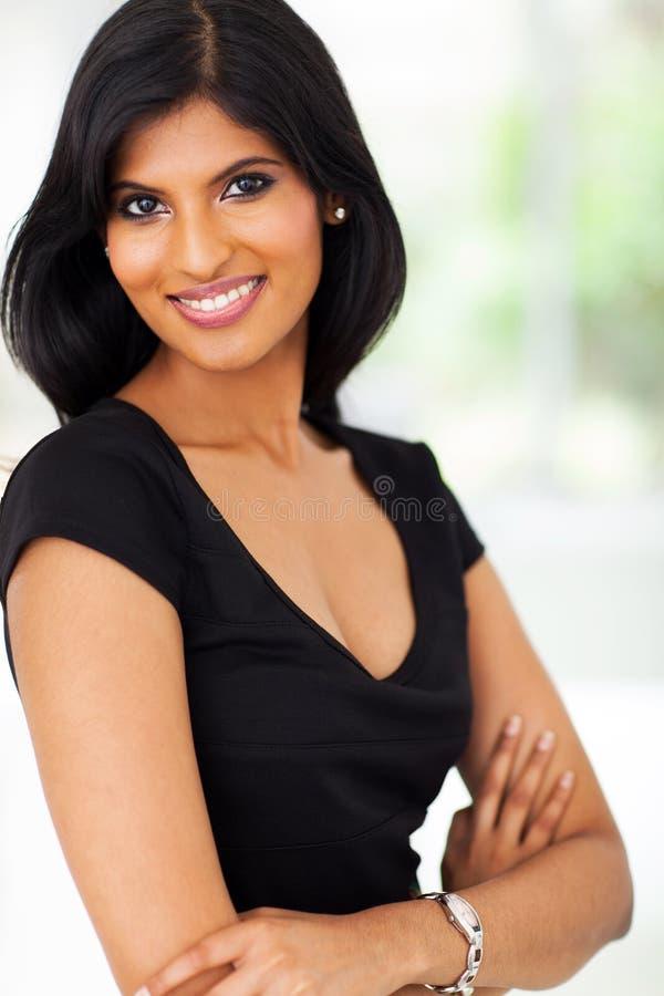 Nätt indisk affärskvinna royaltyfria foton