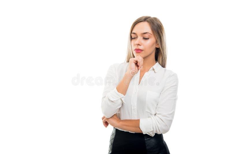 Stående av det härliga anseendet för affärskvinna som att tänka royaltyfri fotografi