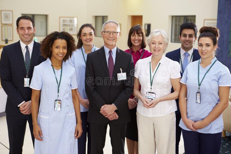 Stående av det medicinska laget för sjukhus arkivbilder