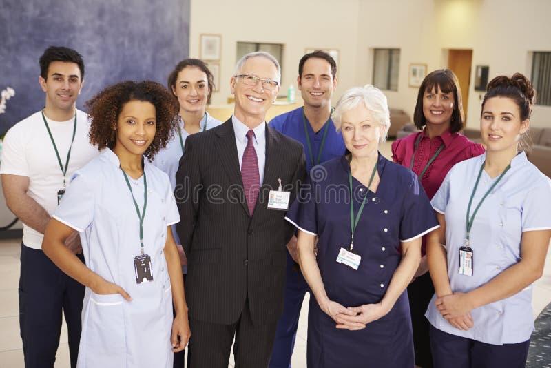 Stående av det medicinska laget för sjukhus arkivbild