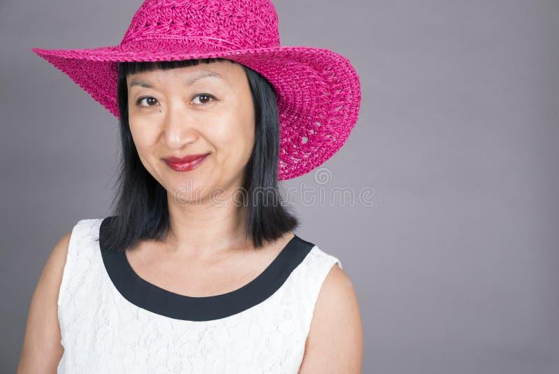 Stående av en asiatisk kvinna arkivbild