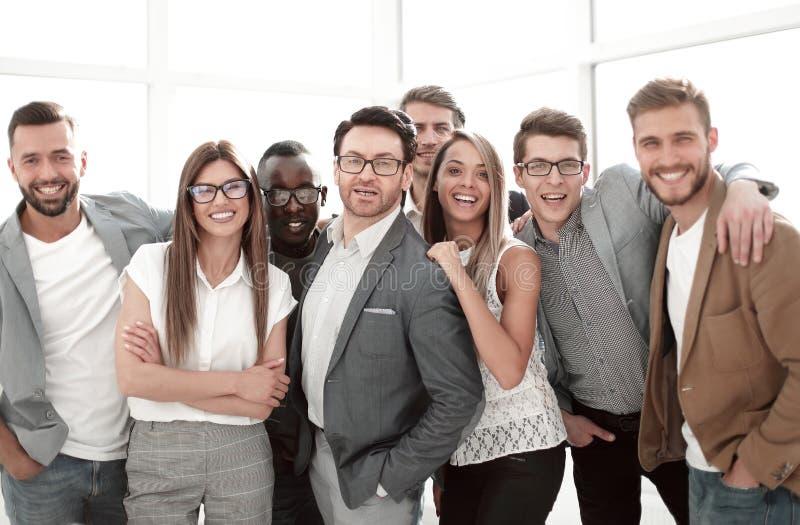 Stående av en grupp av lyckat affärsfolk arkivfoton