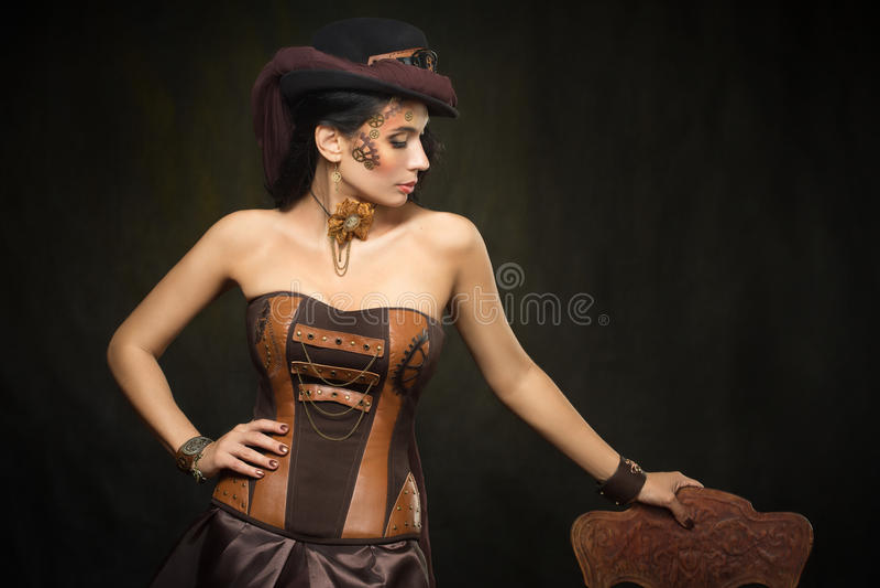 Stående av en härlig steampunkkvinna arkivbilder