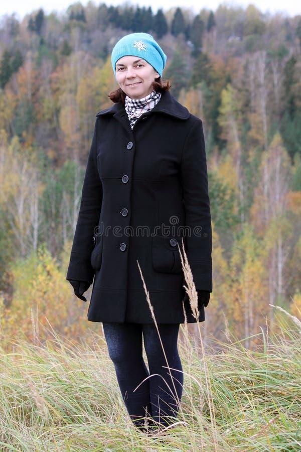 Stående av en kvinna royaltyfri foto