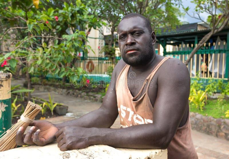 Stående av en papuanman arkivbilder