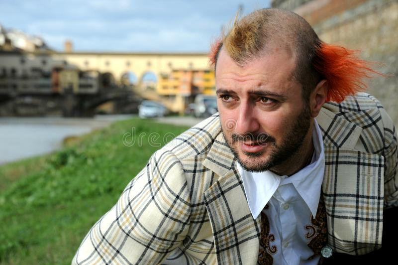 Stående av en rolig gatakonstnär i Florence, Italien royaltyfri bild