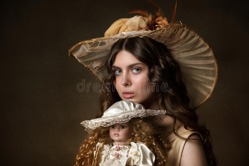 Stående av en ung gir royaltyfri fotografi