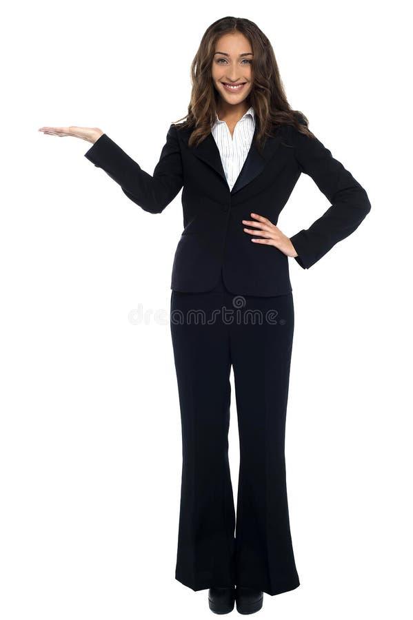 Stående av härligt företags kvinnligt arkivfoto