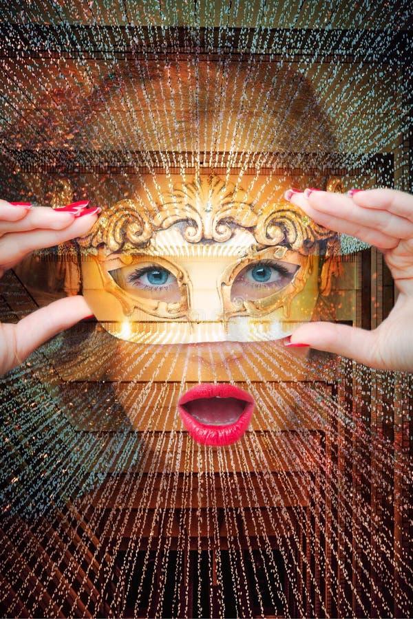 Stående av kvinnan för blåa ögon med maskeringsdubblettexponering arkivbilder