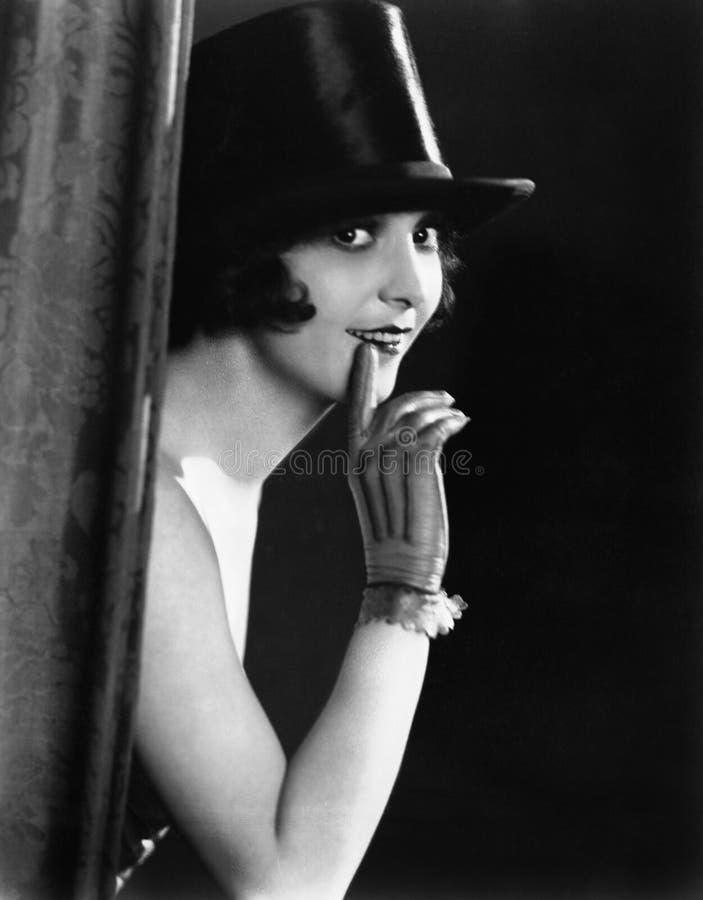 Stående av kvinnan i bästa hatt (alla visade personer inte är längre uppehälle, och inget gods finns Leverantörgarantier att det  royaltyfri foto