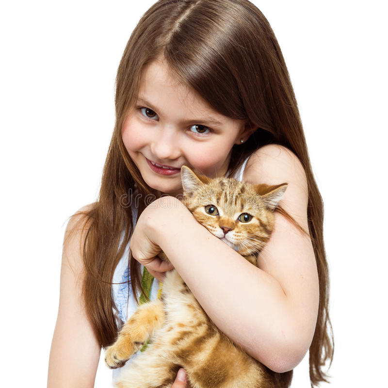 Stående av lite flickan med en katt Barn och husdjur arkivfoto