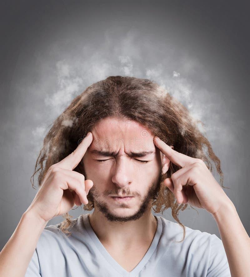 Stående av mannen med att röka huvudet fotografering för bildbyråer