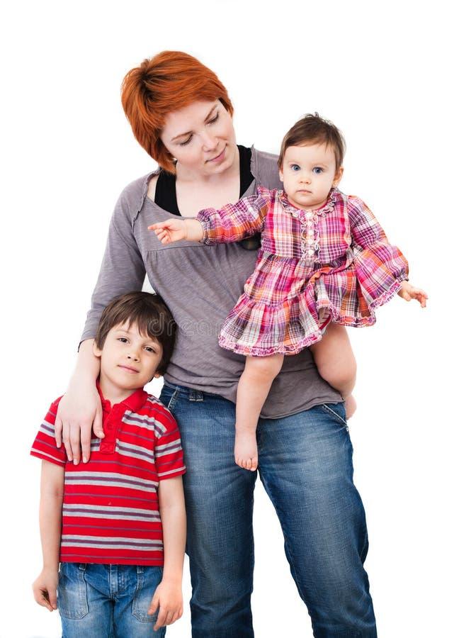 Stående av modern med sonen och dottern royaltyfri fotografi