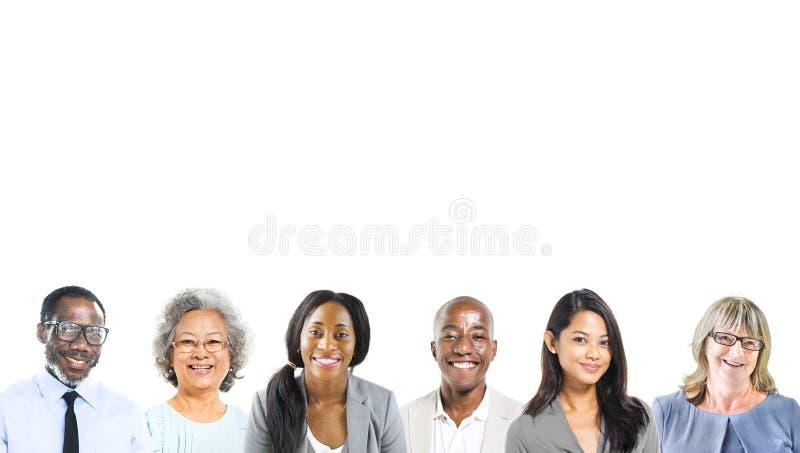 Stående av multietniskt olikt affärsfolk arkivfoton