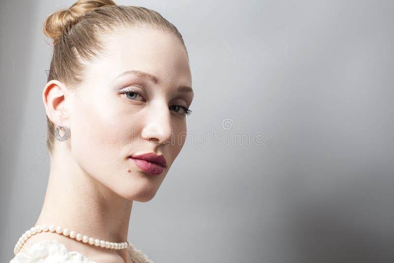 Stående av skönhetkvinnan arkivbild