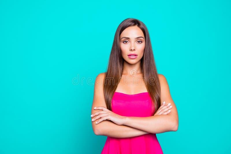 Stående av sofistikerade flickawi för ung raksträcka-haired brunett royaltyfri foto