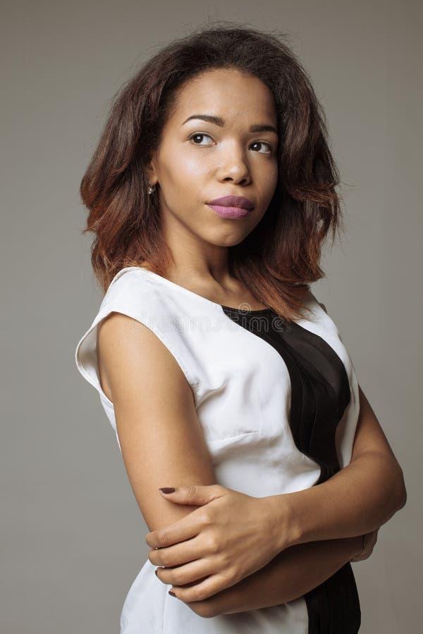 Stående av svart kvinna arkivfoton